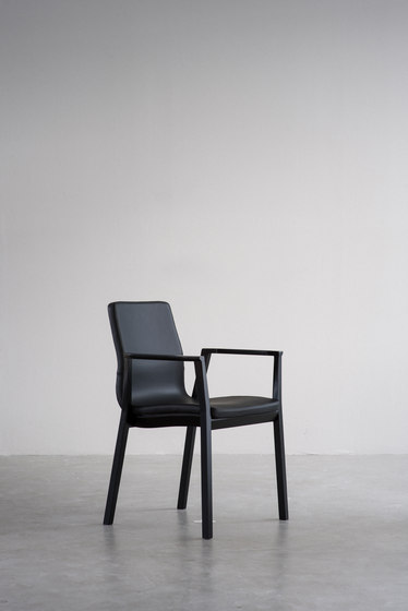 Tonica Wood chair de Magnus Olesen