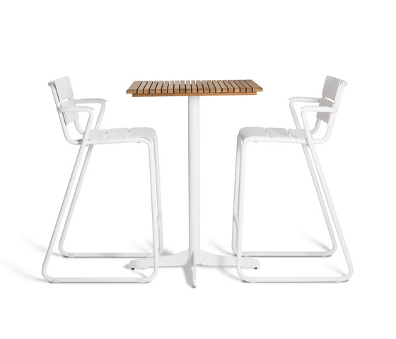 Corail Dining Table by Oasiq