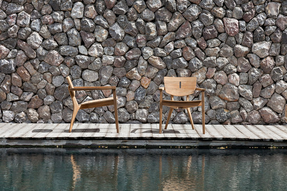 Diuna Armchair by Oasiq