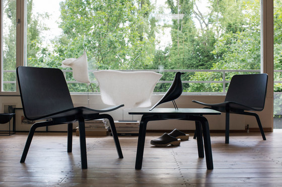 HK 002 Lounge Chair upholstered by Artek