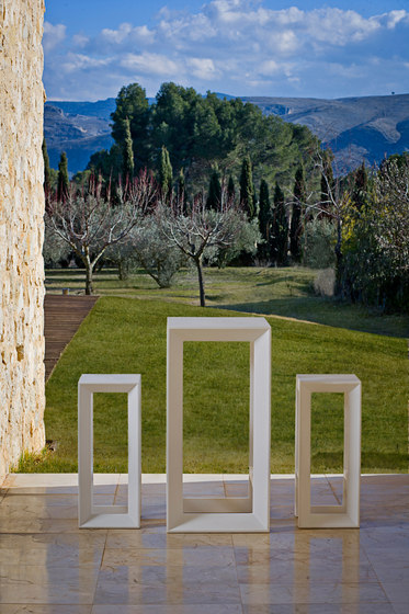 Frame stool by Vondom