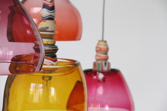 Glass Lights | Yellow fuchsia cluster de Utopia and Utility