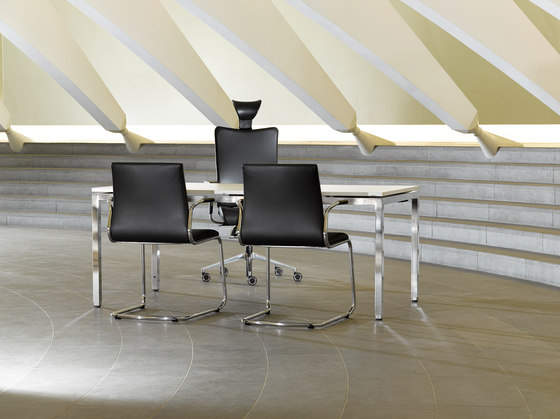 Sitagart Lounge- and Conference chair by Sitag