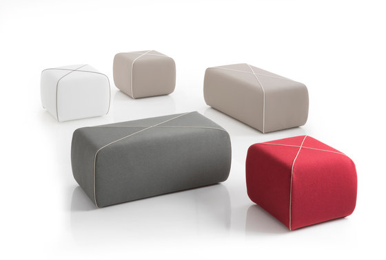 CROSSED Pouf square by B-LINE