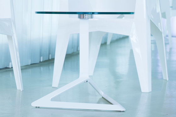 Delta table de Vondom