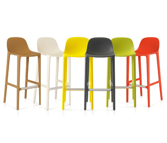 Broom 24 Counter stool di emeco