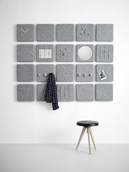 Felt Panel Coat Hanger di MENU