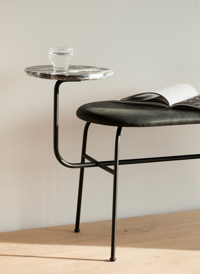 Afteroom Dining Chair 3, Black/Cognac de MENU