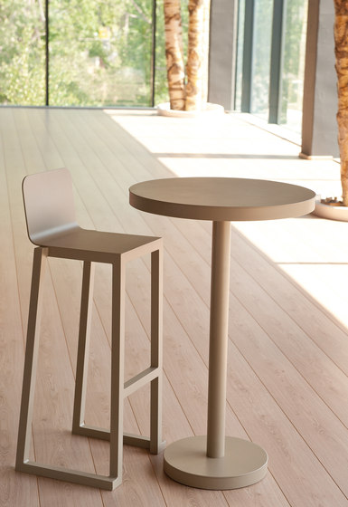 barcino stackable stool by Resol-Barcelona Dd