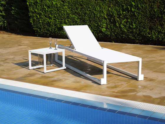 barcino stackable sunlounger by Resol-Barcelona Dd