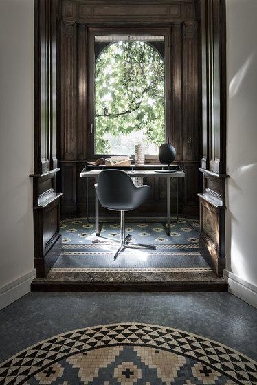 Twain | desk by Frag