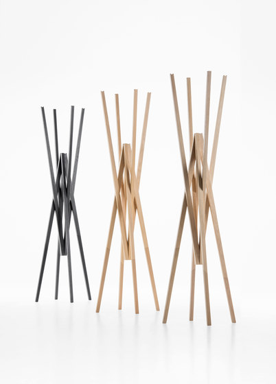 Simetria coat hanger by Prostoria