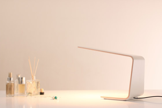 Led 1 Desk Light by TUNTO Lighting