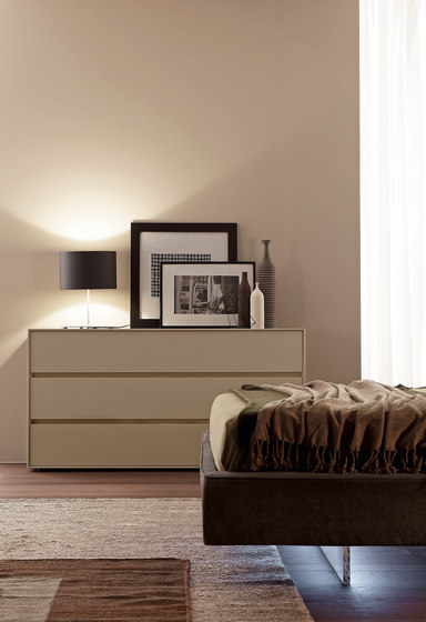 Complementi Notte I-night system_inclinART_ console by Presotto