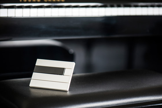 Piano by Lithoss | mixed 2 button RAL7022 9010 by Lithoss