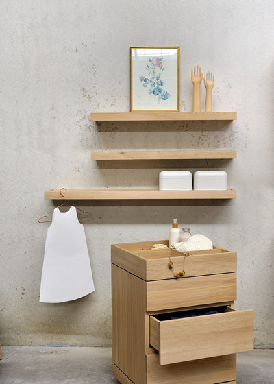 Oak Bathroom towel rack by Ethnicraft