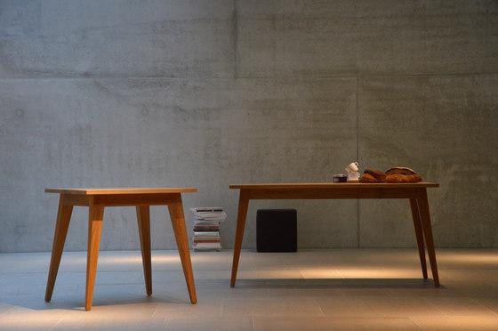 Xaver table by jankurtz