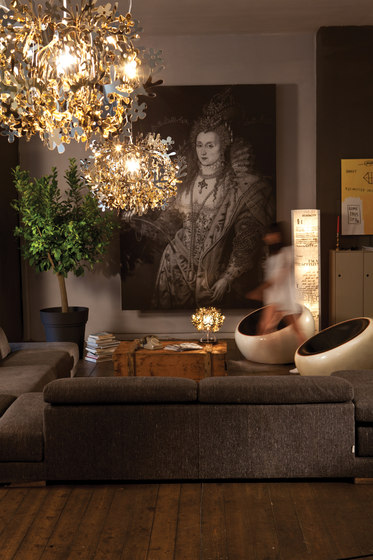Fiorellina Gold table by Slamp