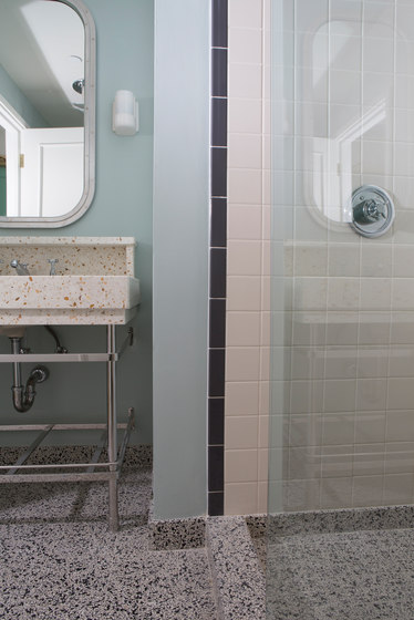 Eco-Terr Tile Cayman Green di COVERINGSETC