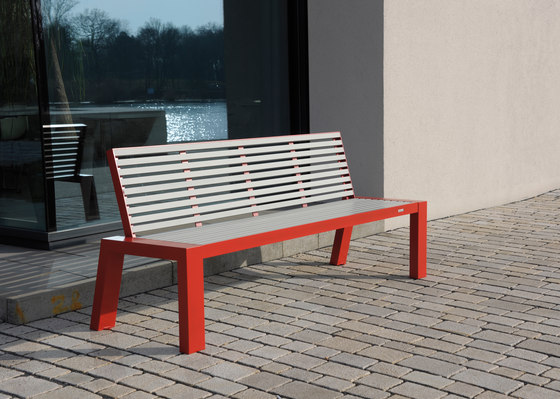 Comfony 10 Bench with armrests by BENKERT-BAENKE