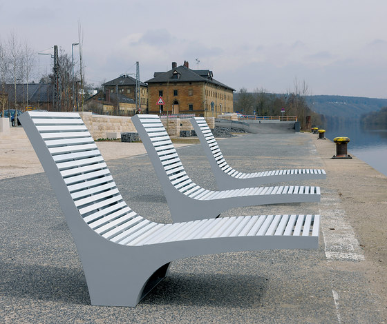 Comfony 600 sun lounger by BENKERT-BAENKE