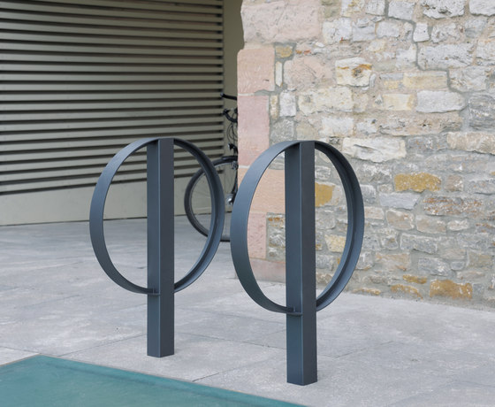 Bike stand C100 by BENKERT-BAENKE
