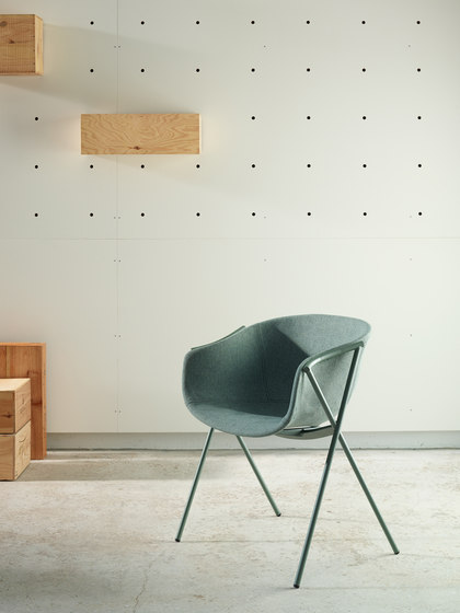 Bai Sled Chair by ONDARRETA