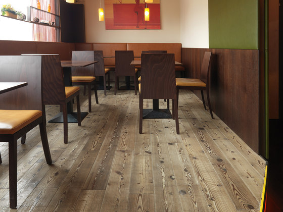 FLOORs Specials Larice invecchiato nero robust rustic di Admonter