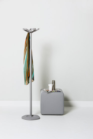 Flower coat stand with umbrella holder by Cascando
