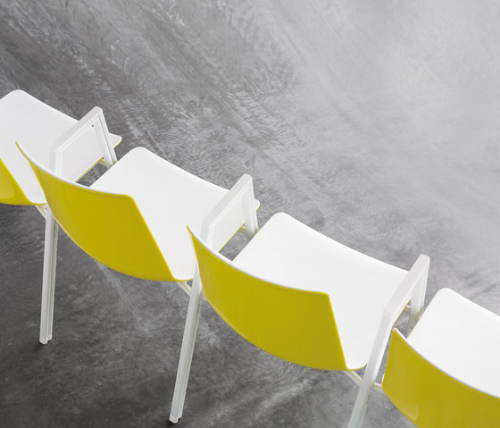 nooi meeting chair de Wiesner-Hager