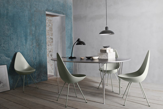 Drop™ | 3110, black edition by Fritz Hansen