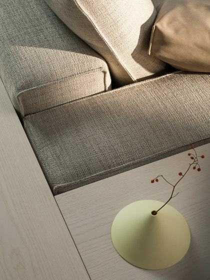 Hamptons sofa by Linteloo