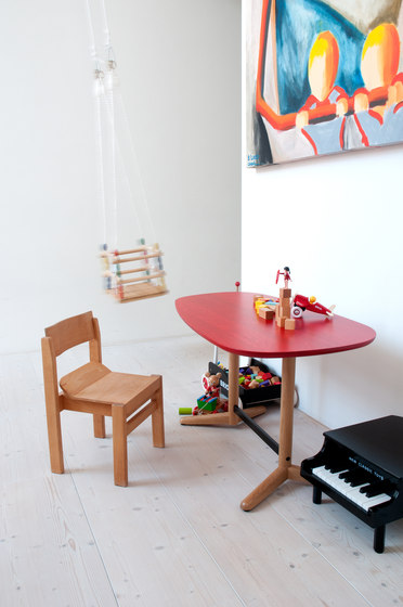 Child´s table de BULO