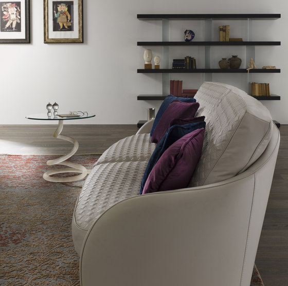 Swan Chair by Reflex