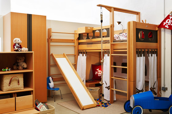 Pirate Bunk bed with drawers DBA-202.8 di De Breuyn