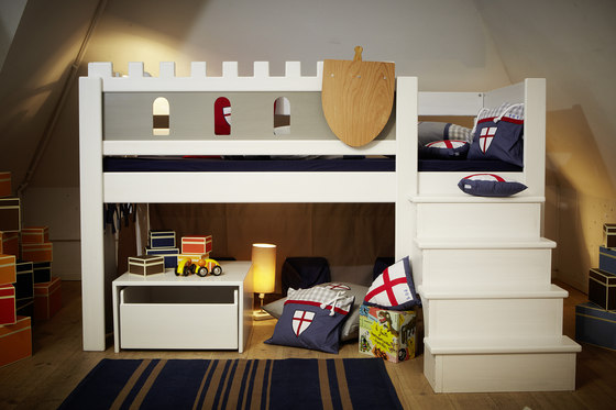 infant 39 s beds kid 39 s room furniture castle knight. Black Bedroom Furniture Sets. Home Design Ideas