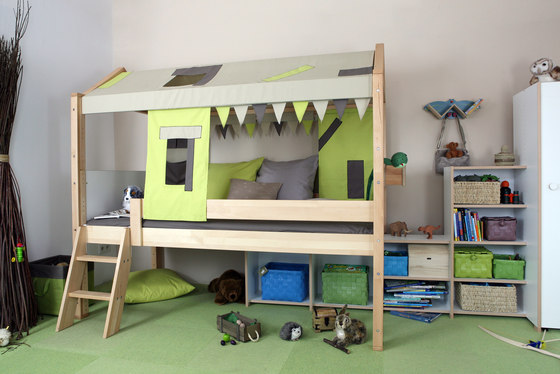 River low play bed by De Breuyn
