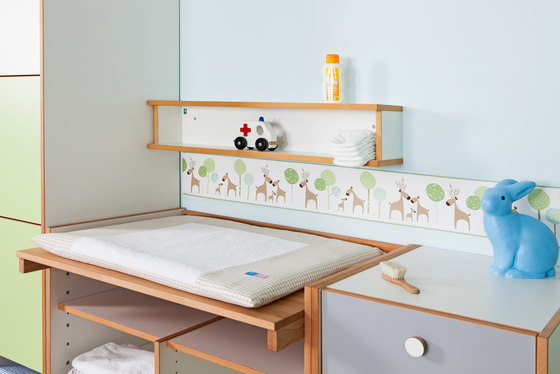 Changing Table with Wardrobe di De Breuyn