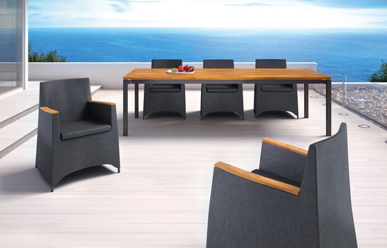 Rio front slide extension table by Fischer Möbel