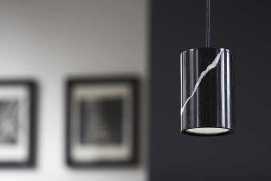 Solid | Pendant Cylinder in Black Stained Oak von Terence Woodgate