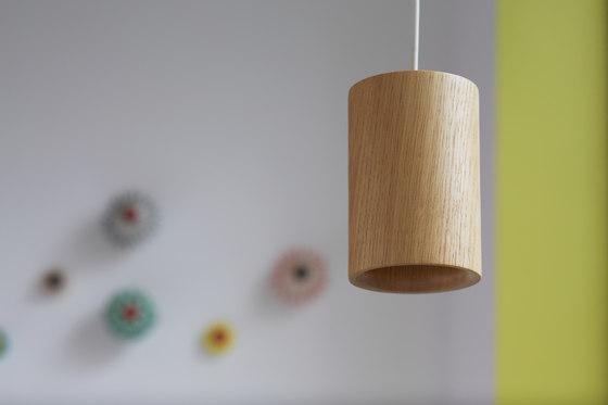 Solid | Pendant Cone in Natural Oak di Terence Woodgate