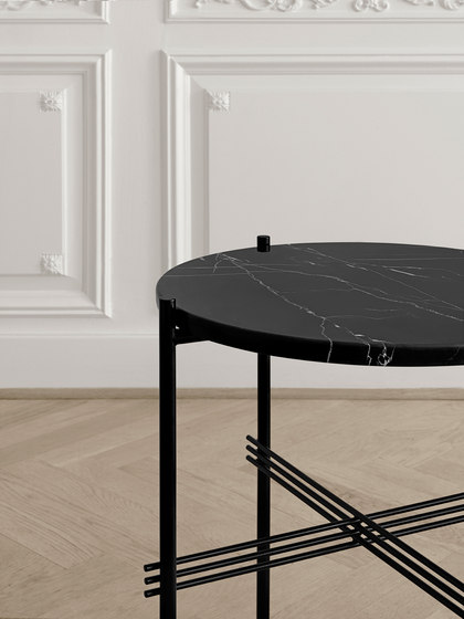 TS Side Table - Ø40 de GUBI