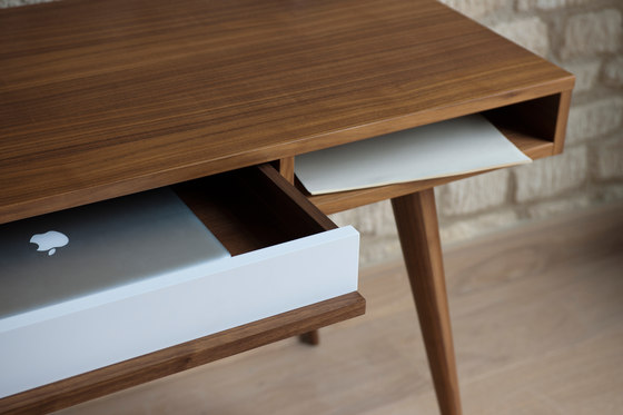 Celine desk von Case Furniture