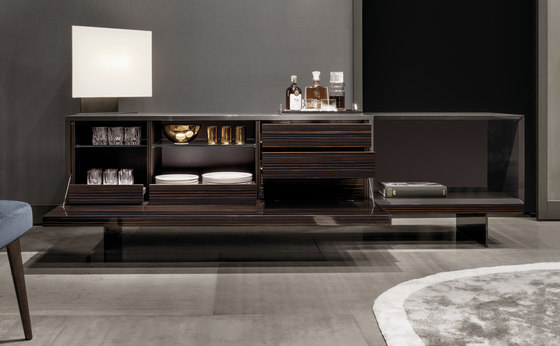 lang sideboards from minotti architonic. Black Bedroom Furniture Sets. Home Design Ideas