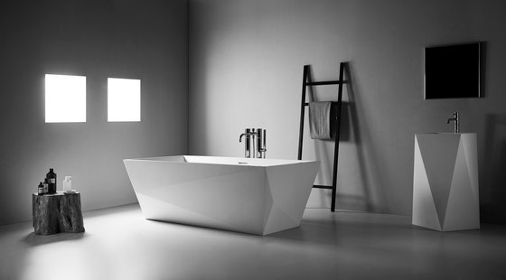 Matrix Free-standing Basin de Claybrook Interiors Ltd.