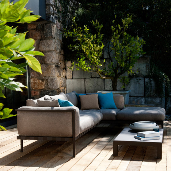 Natal Alu Sofa by Tribù