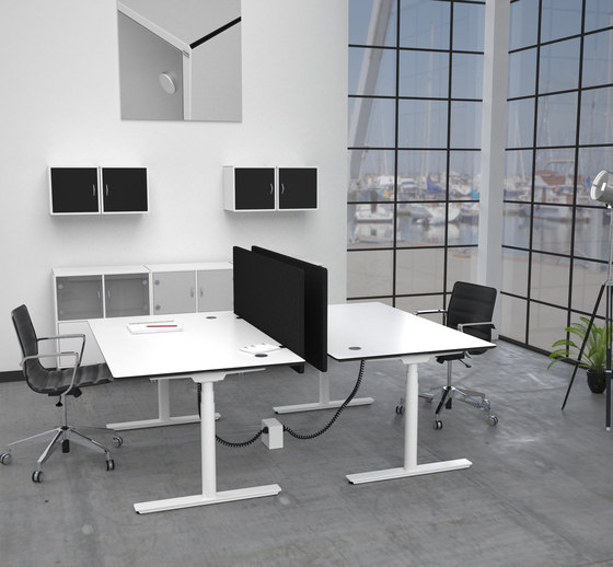 Flow Sit/Stand Desk von Cube Design