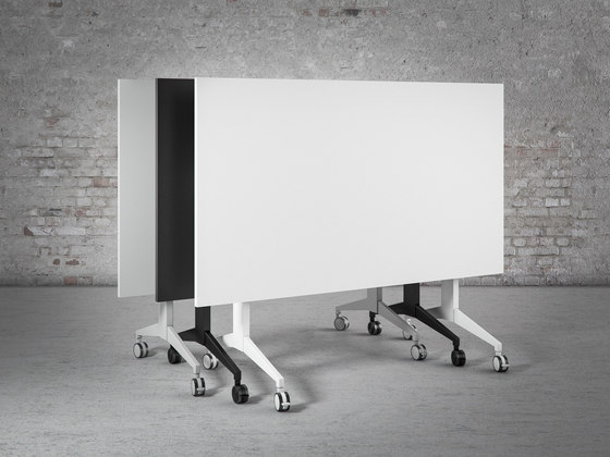 FT4 Folding Table di Cube Design