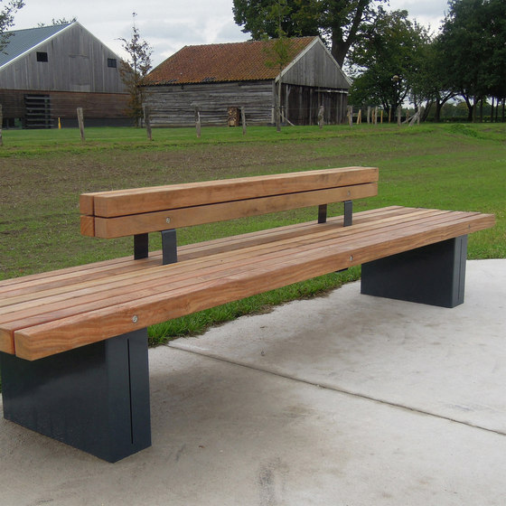 Solid Crosswise Benches de Streetlife