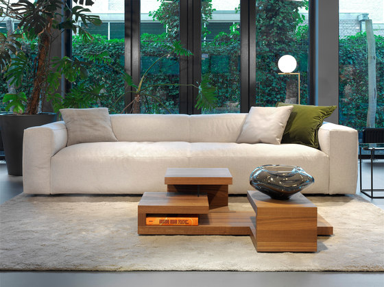 Southampton | sofa by Linteloo